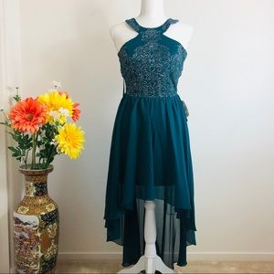 💝NWT Xtraordinary Haltered Party Dress (Juniors)